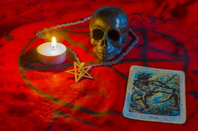 Crowley Tarot Deutung Foto: ©  damiripavec @ Fotolia