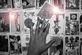 Kartenlegen lernen,Zukunftsdeutung mittels Kartenlegung Foto: ©  Alf @ Fotolia