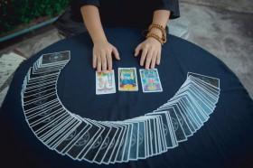 Lenormandkarten, Schlüssel, Anker, Fische, Kreuz, Kartenlegen Foto: ©  Phinyo De Italiano @ shutterstock