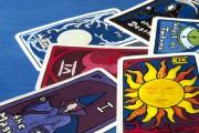 Sexy Hexen - Dara lässt die Karten sprechen Foto: ©  Sonja Birkelbach @ Fotolia