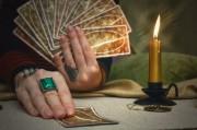 Crowley Tarot - die Konstellation des Magiers  Foto: ©  n_defender @ shutterstock