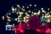 Liebesmagie - Ziehen Sie die grosse Liebe an mit dem Knoten-Liebeszauber  Foto: ©  The Virtual Studios @ shutterstock